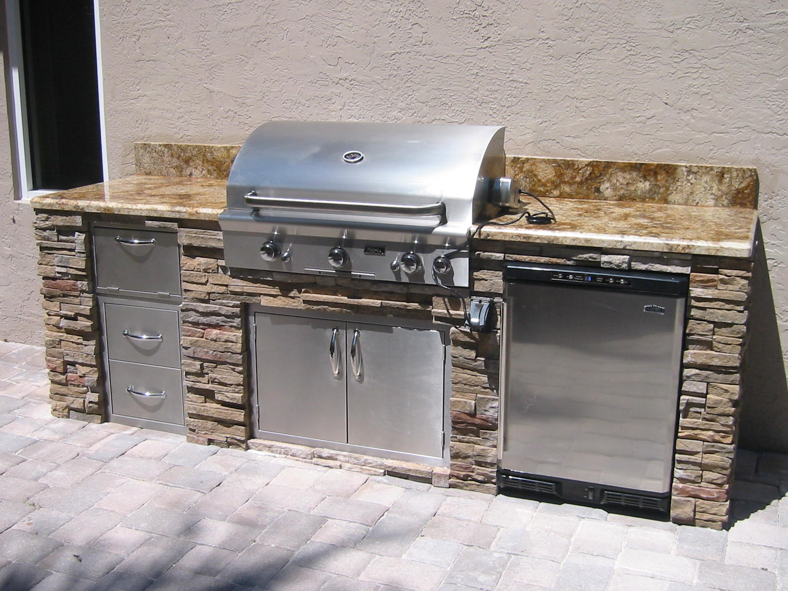 Granite For Outdoor Kitchen Outdoor Kitchen Grill Island With Granite And Dry Ledgestone
