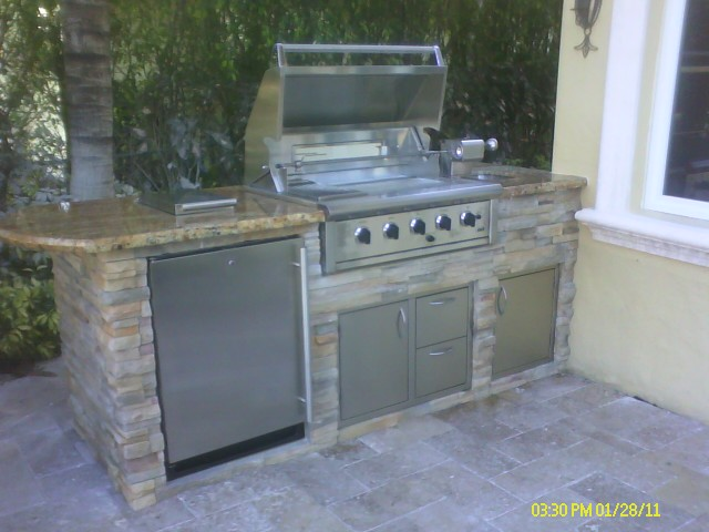 Custom Outdoor Summer Kitchen In Boca Raton, Florida