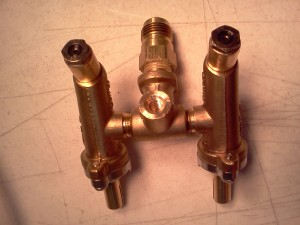 Different control valve manifold gas line connection and orifice
